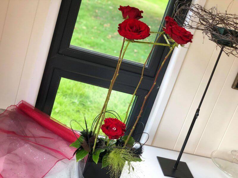 Floral Tutorial: Elegant Roses with Anna Stevens